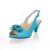 Leatherette Chunky Heel Peep Toe / Sandals With Flower Shoes (More Colors Available)