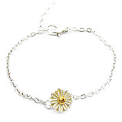 Gorgeous Alloy With Daisy Women's Bracelet