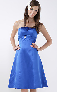 A-line Strapless Sleeveless Knee-length Satin Bridesmaid/ Wedding Party Dress