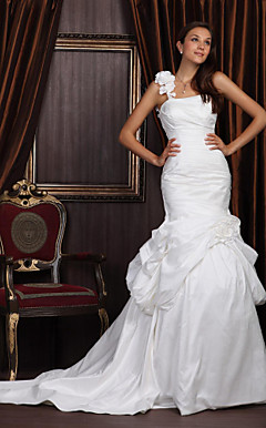 Trumpet/Mermaid One Shoulder Chapel Train Satin Taffeta Wedding Dress With 3D Floral