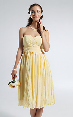 A-line Strapless Sweetheart Knee-length Chiffon Bridesmaid Dress