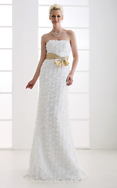 Sheath/Column Strapless Sweep/Brush Train Lace Wedding Dress