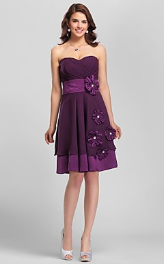A-line Sweetheart Knee-length Chiffon And Satin Bridesmaid Dress with Removale Straps