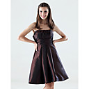 A-line Strapless Empire Knee-length Taffeta Bridesmaid/ Wedding Party Dress